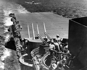 USS_Lexington_(CV-16)_Philippine_Sea