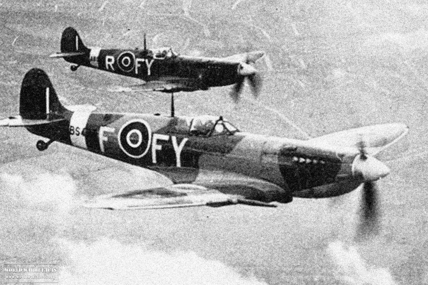 British Spitfire Mk IX fighters (1943)