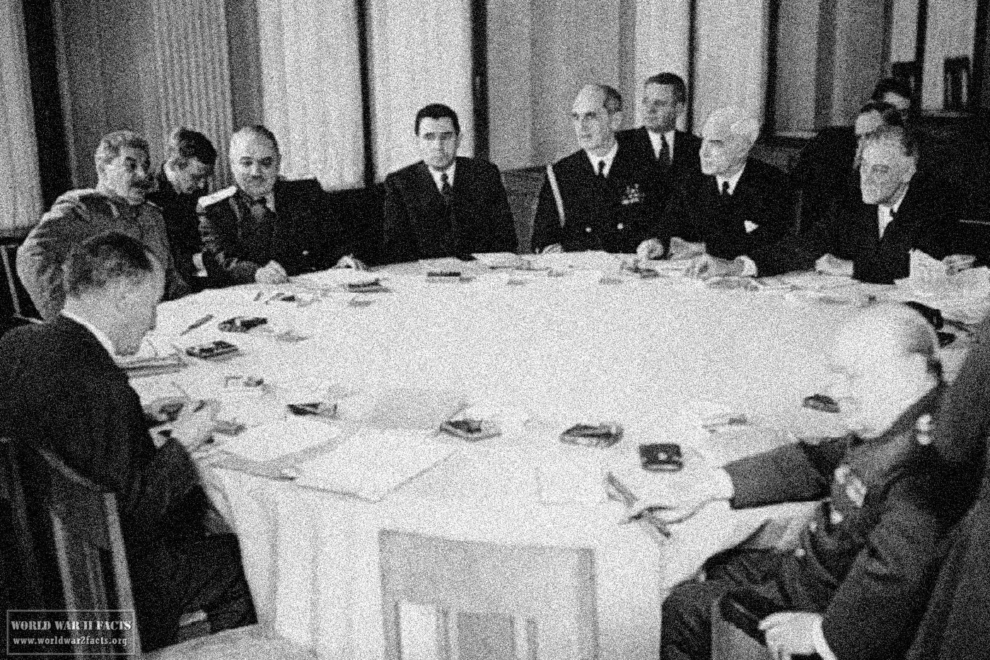 Yalta Conference: a meeting of future winners 95